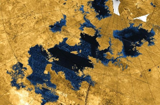 In volo sui laghi di Titano