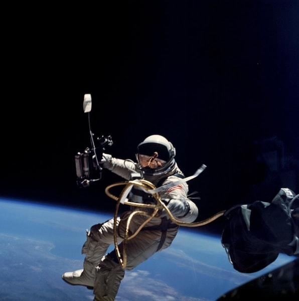 ed_white_spacewalk_fullwidth
