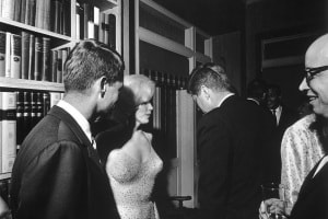 jfk_and_marilyn_monroe_1962_larger