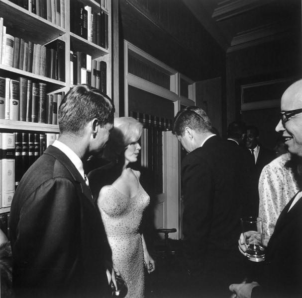 jfk_and_marilyn_monroe_1962_larger
