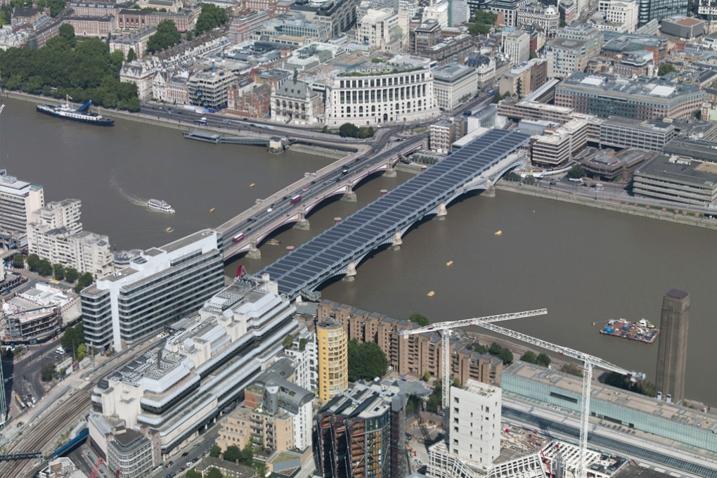 A Londra il ponte solare più grande del mondo