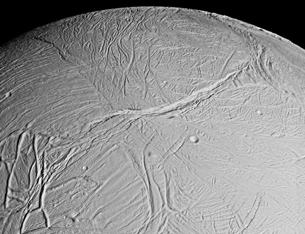 Scoperte sorgenti idrotermali su Encelado
