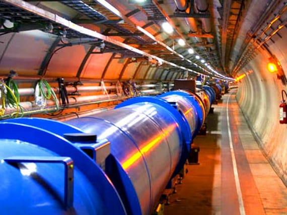 lhc, particelle esotiche, adroni, acceleratore di particelle