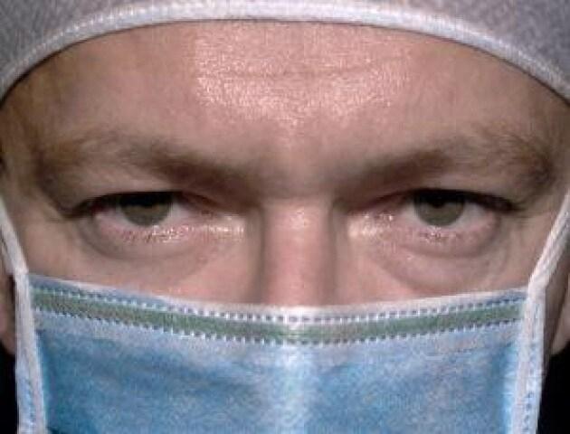 Sanità: indagine, tra stress e insonnia identikit del medico 'malato' di super-lavoro