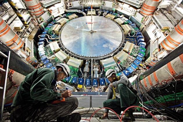 LHC, riparte il superacceleratore del CERN