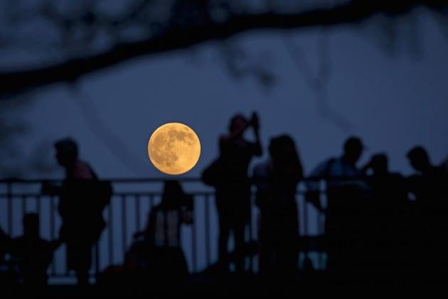 Superluna da record il prossimo 14 novembre