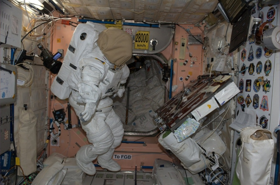 space_station_spacesuit_fullwidth