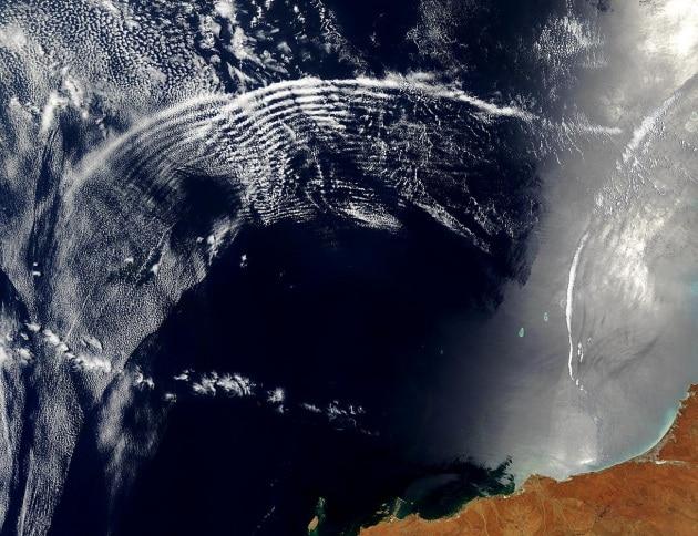 australia.a2003315.0225.1km