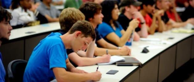 Meno smartphone, più premi per gli studenti