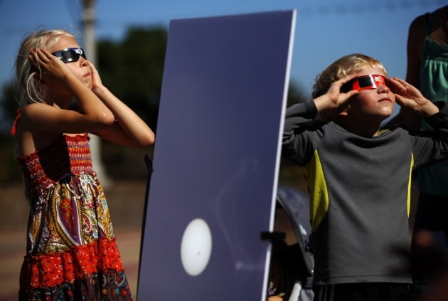 Come osservare l'eclissi di sole del 20 marzo