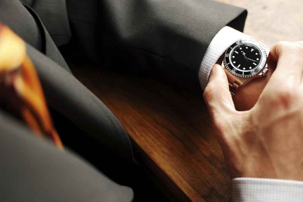 Perché le riunioni iniziano sempre in ritardo?