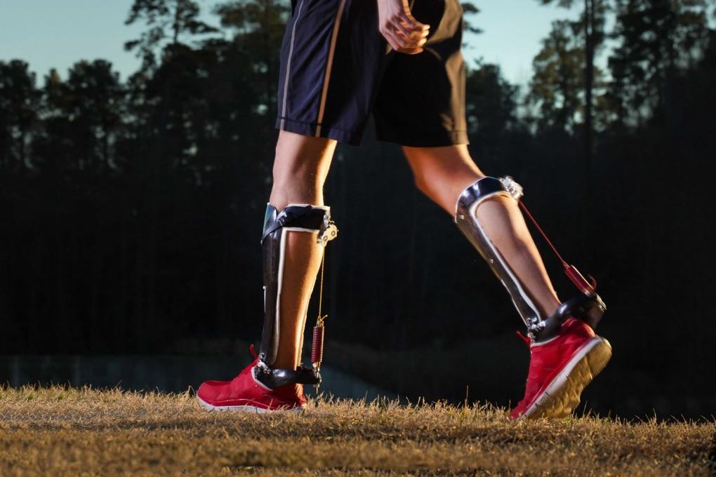 L'esocheletro per camminare più leggeri