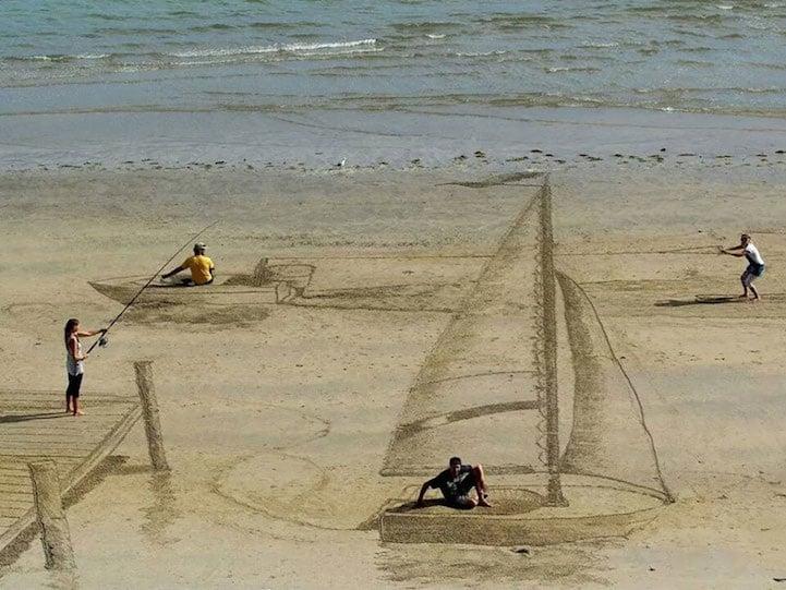 Conosciuto Illusioni 3D sulla sabbia: i disegni di Jamie Harkins sulle  MW54