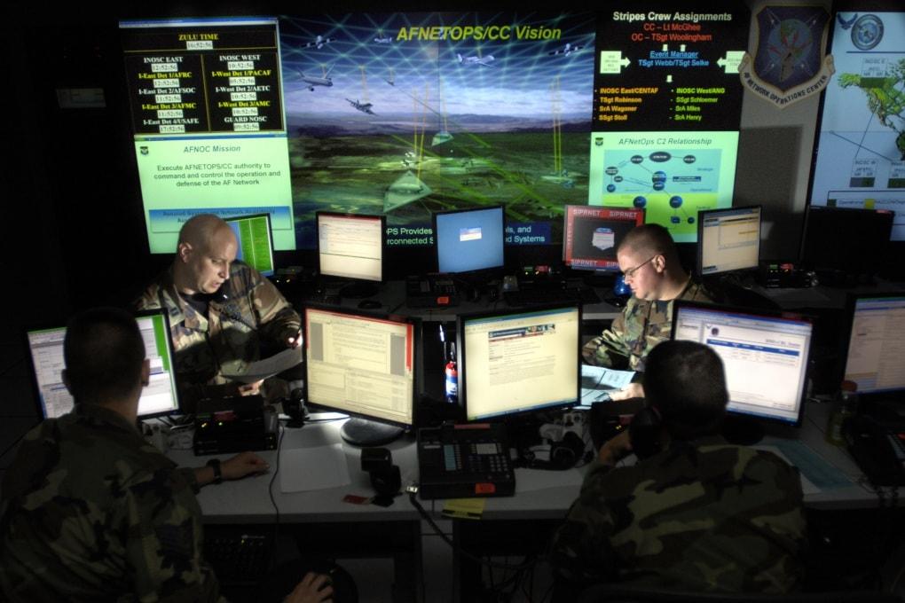 Dal boom al click: la guerra diventa digitale