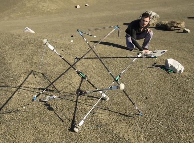 Il robot elastico della Nasa, si piega ma non si spezza