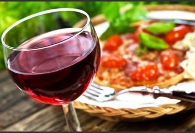 Alcol: Iss, cala consumo, ogni italiano beve 6 litri l'anno specie vino