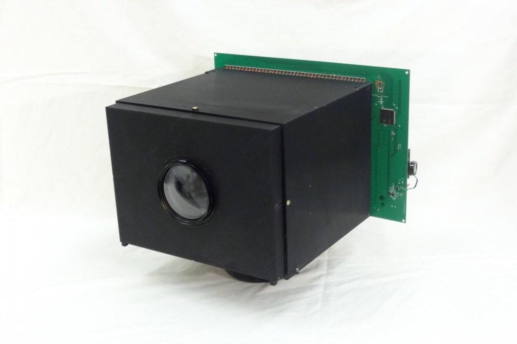 La videocamera che si carica con la luce