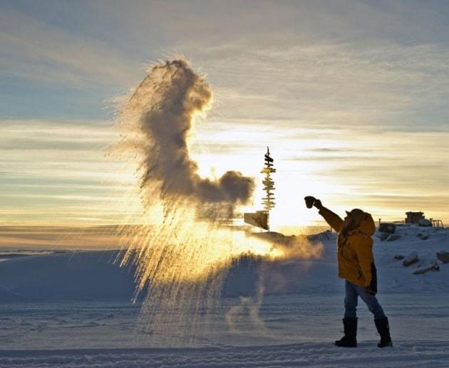 Cinque esperimenti curiosi da fare al freddo