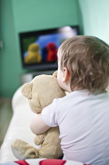 La Tv accorcia il sonno dei bambini