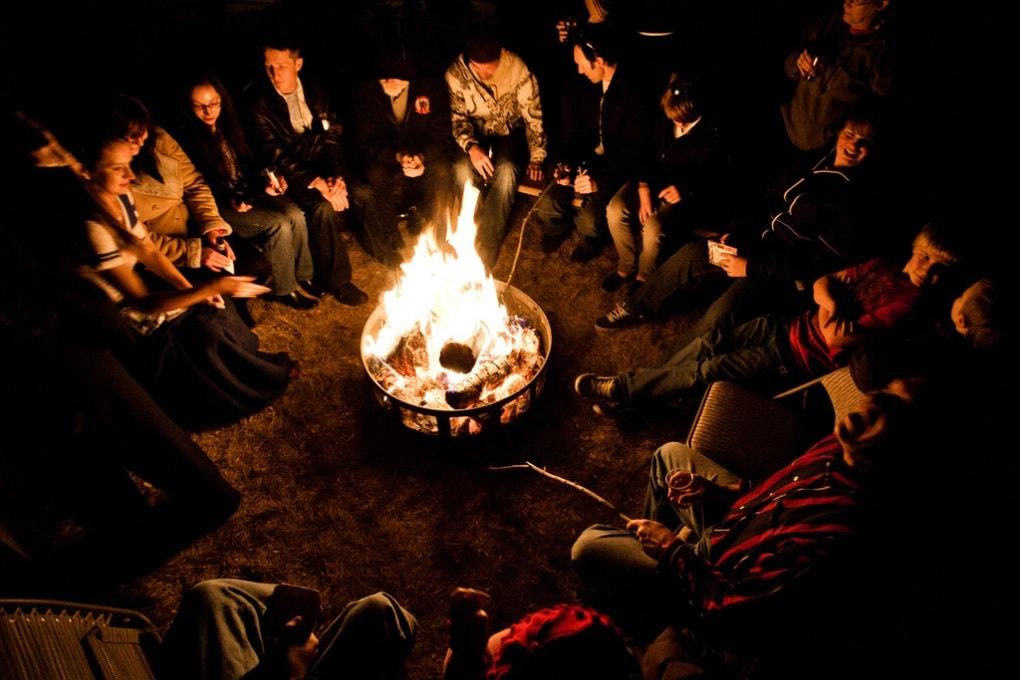Le storie intorno al fuoco che ci resero uomini