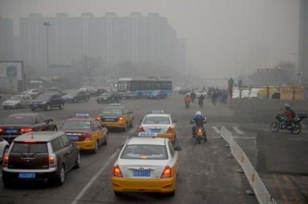 Smog: Cina, 100 mln di contatti per video-denuncia effetti inquinamento