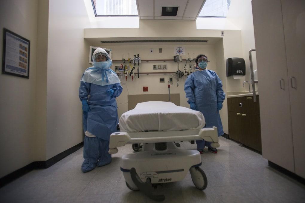 Ebola, un'altra infermiera contagiata: dove sono i protocolli di sicurezza?
