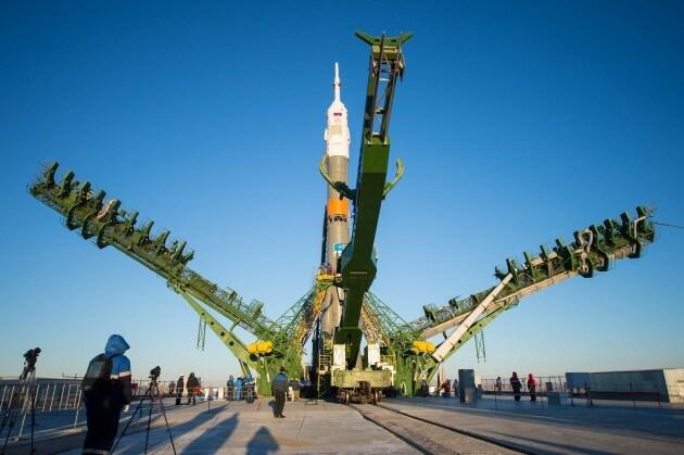 Il rollout della Soyuz per l'Expedition 42/43