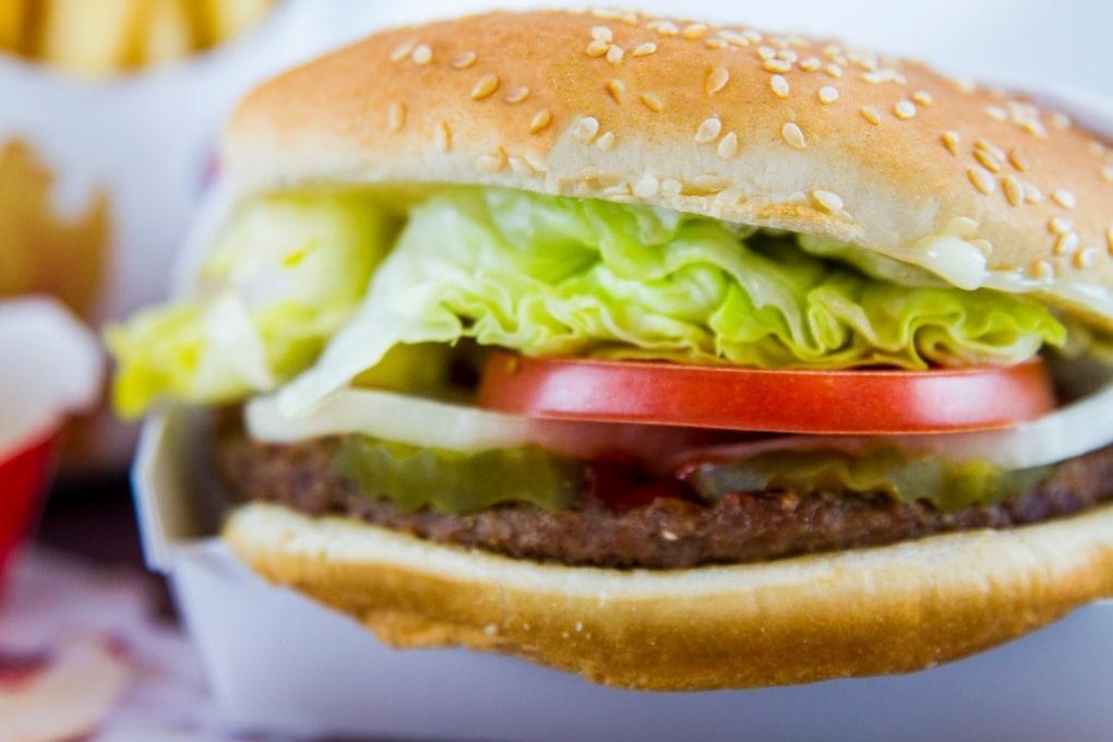 Così il cibo spazzatura modifica i nostri gusti