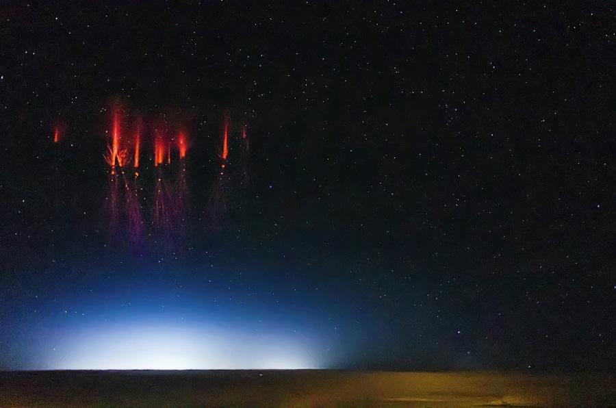 Cielo Rosso Di Notte.Le Foto Di Uno Spettro Rosso Focus It