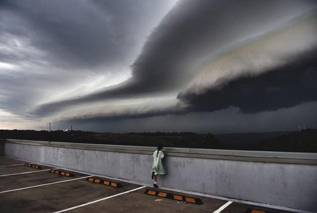 Una coppia di nuvole molto appariscenti