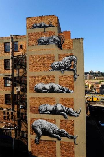 Graffiti che danno voce agli animali: l'arte di ROA