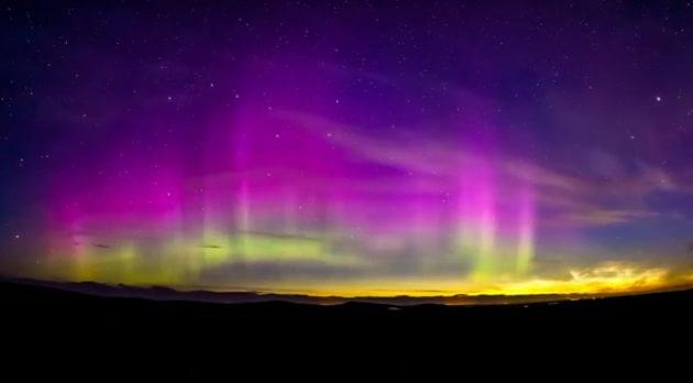 Due spettacoli al prezzo di uno: aurora boreale e nubi nottilucenti