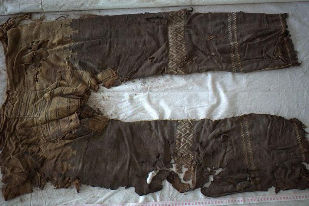 I primi pantaloni della Storia hanno 3 mila anni (e sembrano quelli di Justin Bieber)