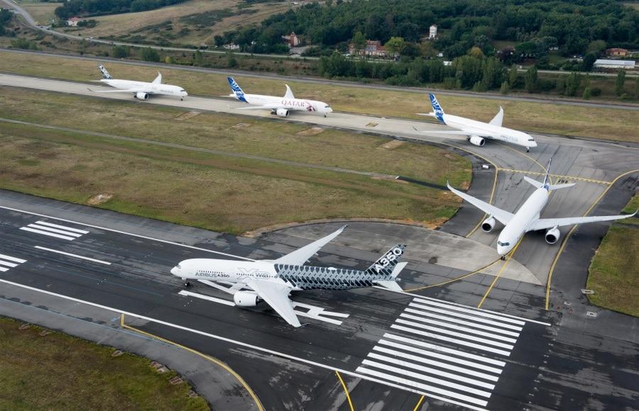 airbus_a350xwb_formation_flight_-_push-back_-_08