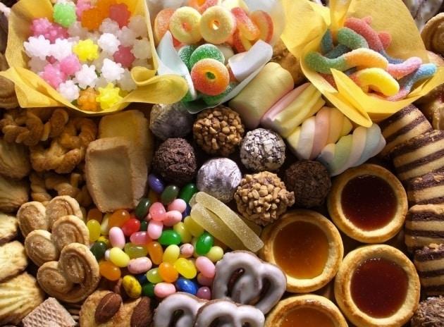 10 cose che (forse) non sai sul cibo spazzatura