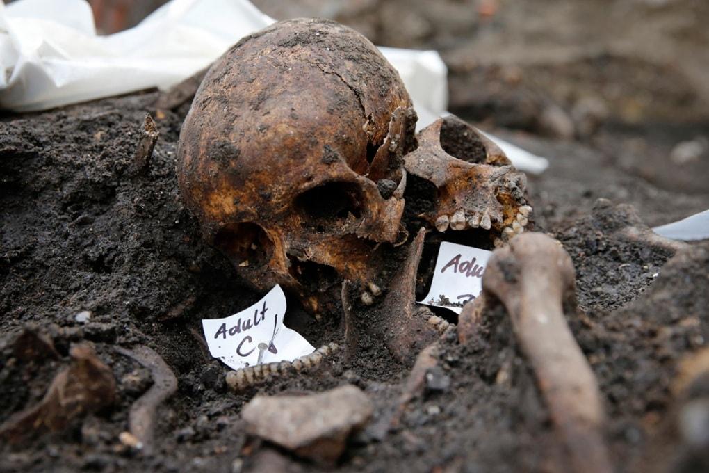 Londra, 3000 scheletri sotto una stazione ferroviaria