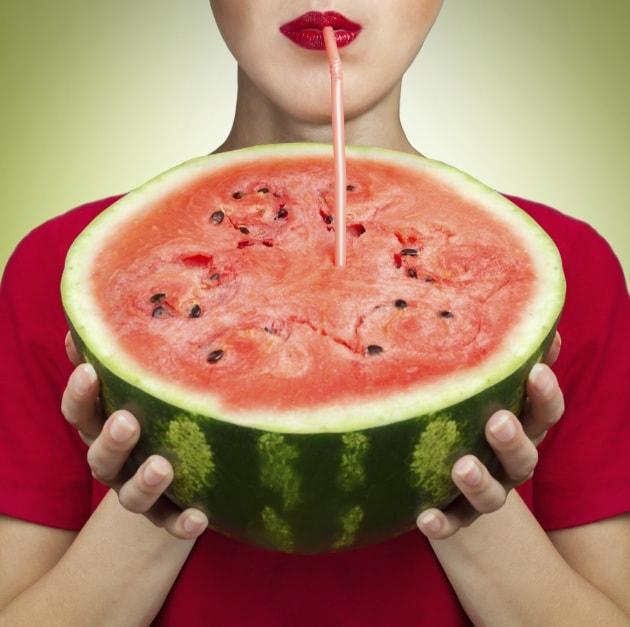 Dieta anti-afa: 10 dritte per combattere il caldo a tavola