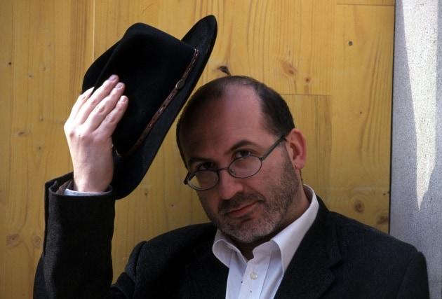 Perché per salutare ci si leva il cappello?