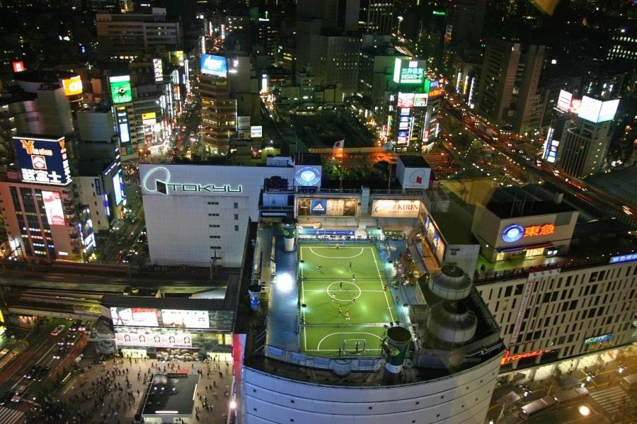 tokyo_rooftop_football