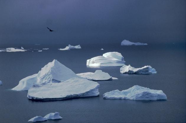 L'acqua è trasparente, perché il ghiaccio no?