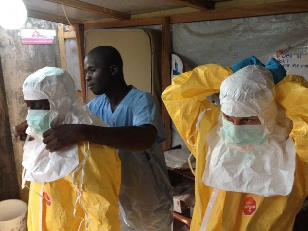 Ebola, progressi nell'isolamento dei malati