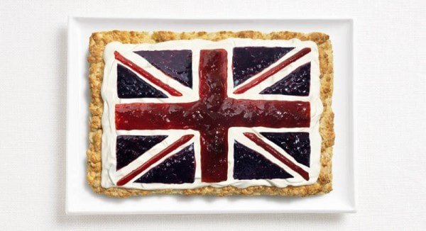 16united-kingdom-flag-made-from-food