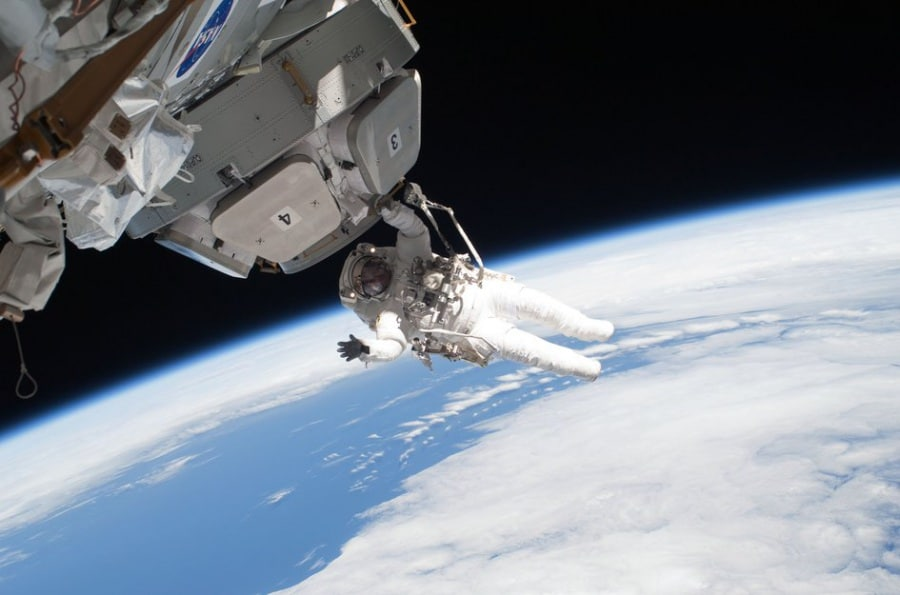 astronaut_nicholas_patrick_working_with_the_cupola_fullwidth