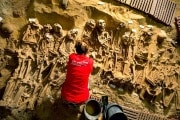 inrap-monoprix-parigi-scheletri