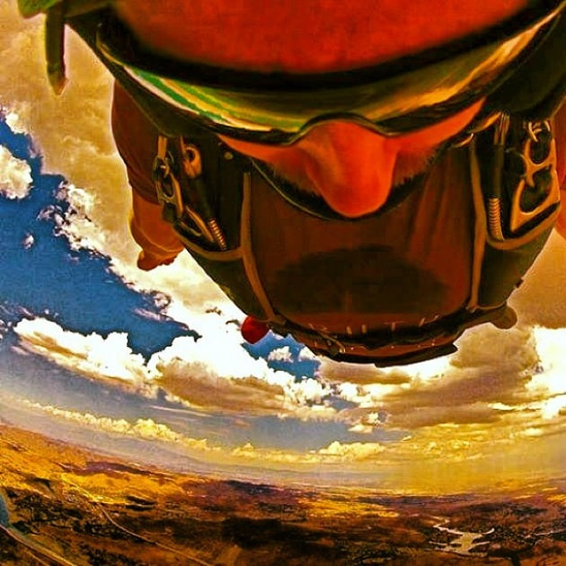 Autoscatti pazzi: i selfie più estremi