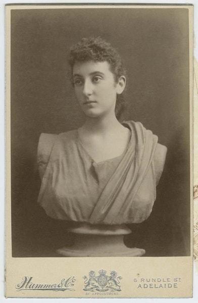 6.1cabinetcardofabustofayoungwomanc1895