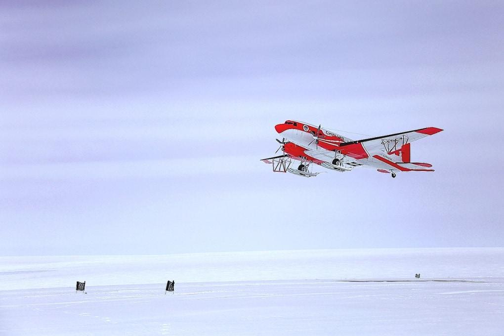 Un grande lago sotto i ghiacci dell'Antartide