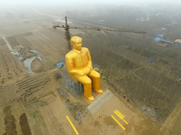 La statua gigante di Mao Zedong