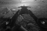 sol180b_fhaz_rovershadow-pia06739-full
