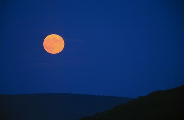 Che cosa accade con la Luna piena?